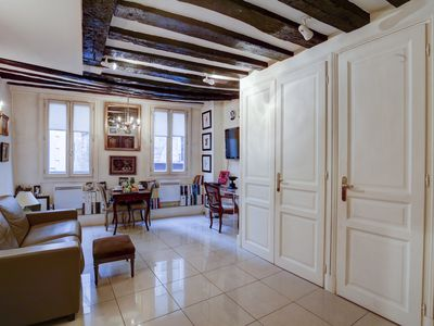 Photo for CLASSIC PARISIAN FLAT IN THE MOST CENTRAL LOCATION BY LE LOUVRE AND PALAIS ROYAL