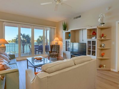 Serene Marina Views of Dolphins, Free Wi-Fi, Cable & Phone, Pool, Balcony,W/D -206 Harborview Grande