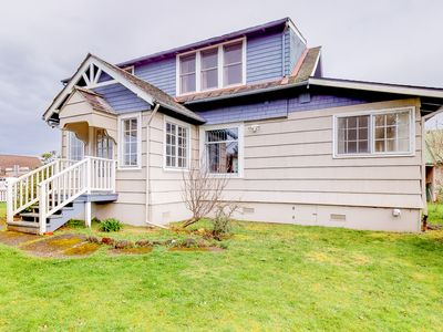 Photo for Gorgeous dog-friendly bayview home - walk to beach, shops, & restaurants!