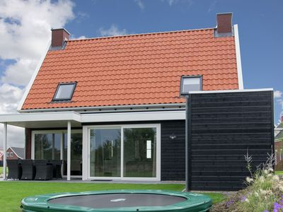 Photo for Beautiful detached property for 6 people with large garden on a small park.
