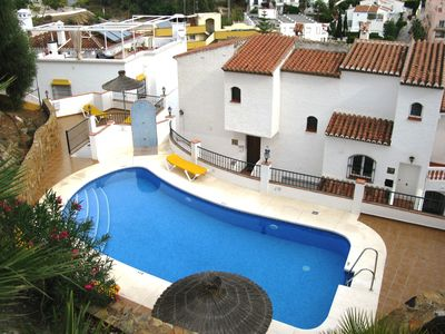 Photo for Spacious Villa With Communal Pool, 3 Min Walk To Burriana Beach