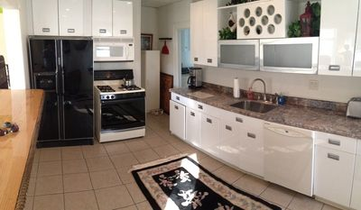 Great Kitchen, all the gadgets included. Dishwasher, micro, toaster, coffee make