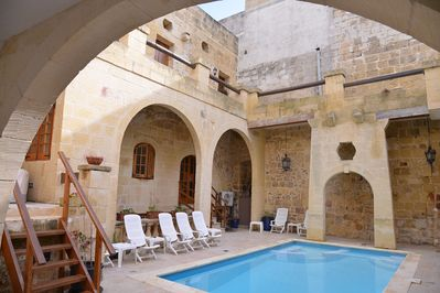 Vittoria Living Farmhouse is situated in the historic centre of Victoria in Gozo