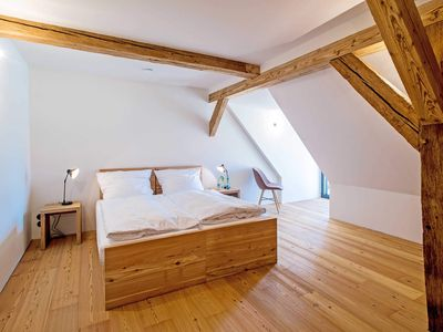 Photo for Guest Room Twin Beds - Ives - Culture Good Hasselburg