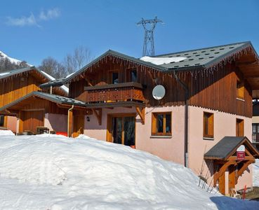 Photo for Chalet with sauna, at the foot of the slopes for 14 people