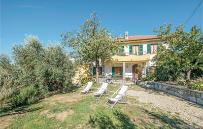 Photo for 6 bedroom accommodation in Castiglione Chiavarese