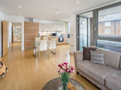 Photo for Spacious 2Bed w/ Private Balcony in Surrey Quays