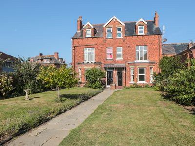 Photo for FLAT 2, MINDELLO HOUSE in Whitby, Ref 981616