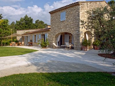 Photo for Family house, quiet, in the heart of Lubéron, 4 bedrooms, 4 bathrooms, 9 people.