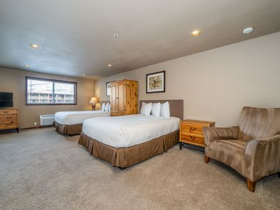 Photo for Grandview Non View 305A! Third floor waterfront condo! Sleeps 4+ (No Lake View)