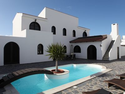 Photo for Excellent location, courtyard with heated pool and BBQ, 3 bedrooms, 3 bathrooms, 6 people.