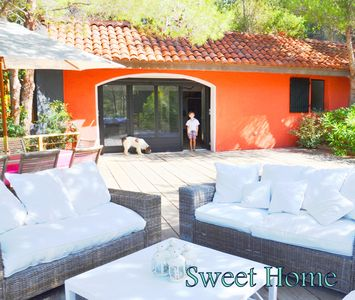 Photo for VILLA OF 20 PEOPLE, SEASIDE, LARGE HEATED SWIMMING POOL, ACCESS BEACH