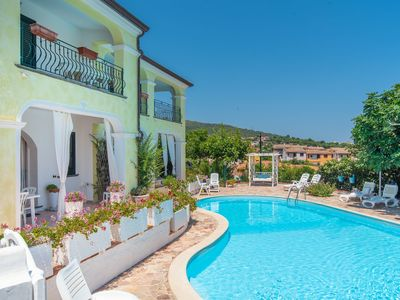 Photo for Apartment in Mediterranean Villa with Wi-Fi, Air Conditioning, Garden and Pool