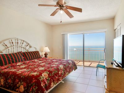 Photo for Sunset Chateau #611 - Beachfront / 3 Bedrooms / Walk To Caddy's!