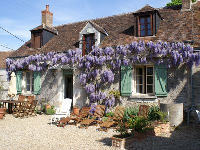 Photo for Pretty rural village cottage nr Chateau Chenonceau & vineyards in Loire Valley