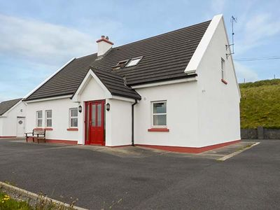 Photo for INISHTURK VIEW, pet friendly in Louisburgh, County Mayo, Ref 905053