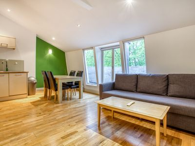 Photo for Spacious 2Bed w/ Private Balcony in Paddington