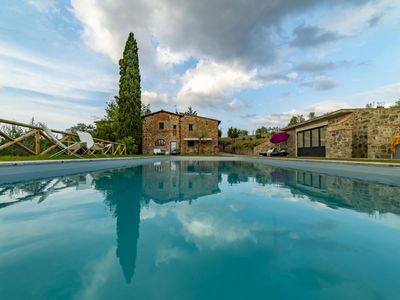 Photo for Chianti hills, Swimming pool, hot tube, View, Relax