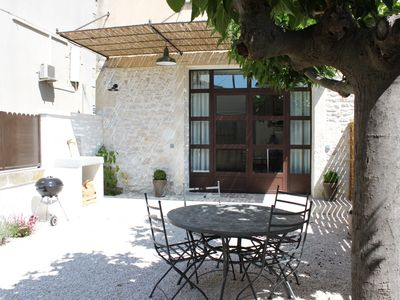 Photo for Near the Alpilles, charming cottage fully renovated