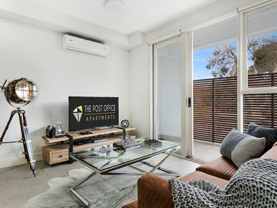 Photo for 1BR Apartment Vacation Rental in Balaclava, VIC