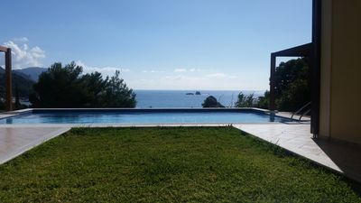 Photo for Villa with pool - 75 m to the beach