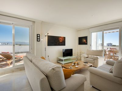 Photo for Stunning Penthouse with large sunterrace and overal sea views.