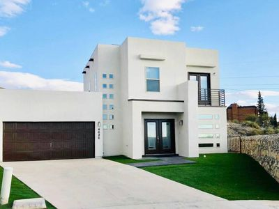 Photo for Beautiful and Cozy Modern House