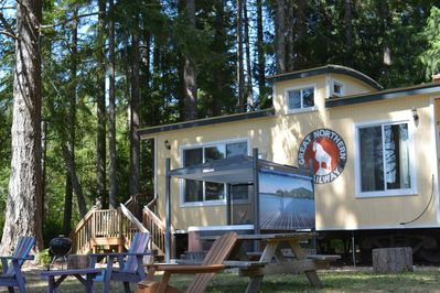 Sleeps 8, Private Hot Tub , 2 Kayaks, 3 Acres And Private Beach Included -  Shelton