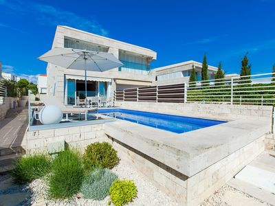 Photo for Modern Villa Lantana, in Dalmatia, near the Sea