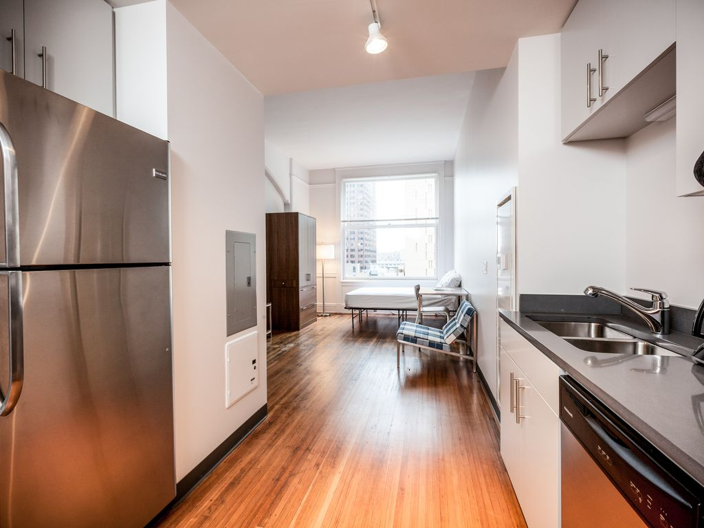 Studio Apartment Chicago chicago chocolate studio apartment - vrbo