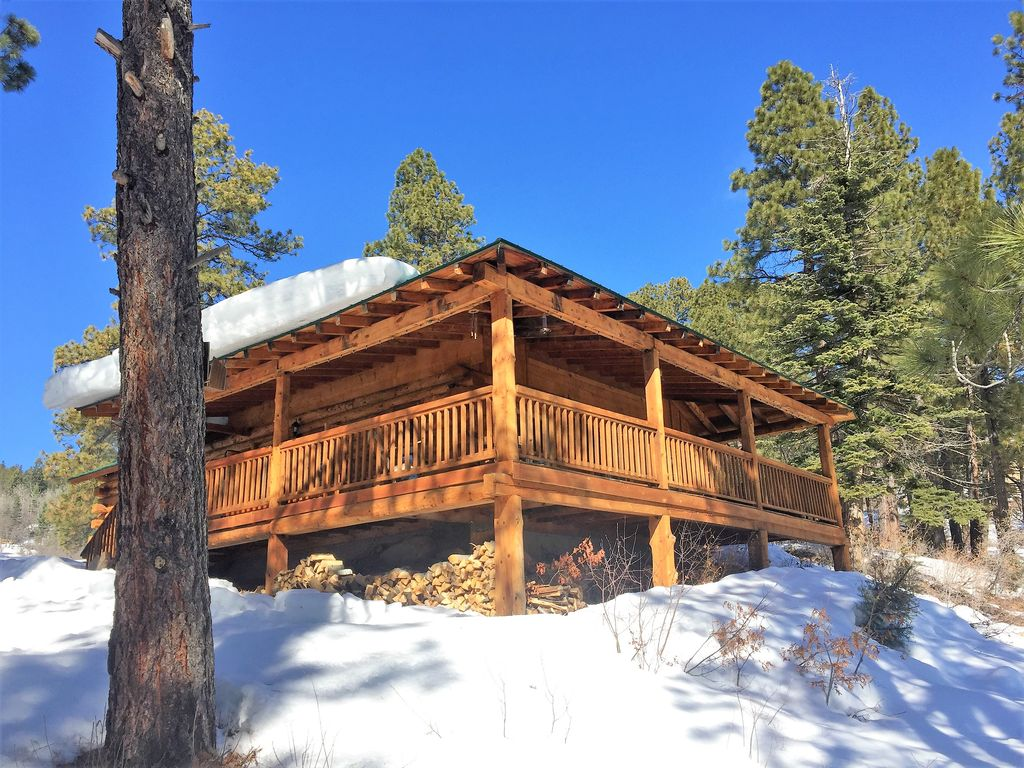 Beautiful Log Cabin On 6 Mtn Acres Close To All Durango