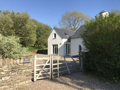 Easy to walk to beach, village, church and castle yet private location.