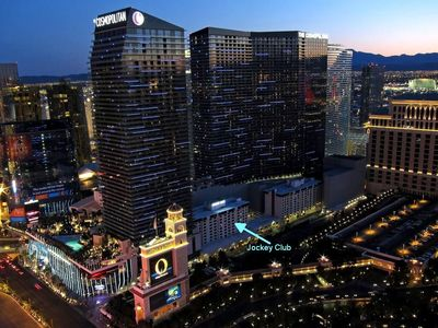 Photo for On The Las Vegas Strip between The Bellagio and Cosmopolitan! Free Parking, Wifi