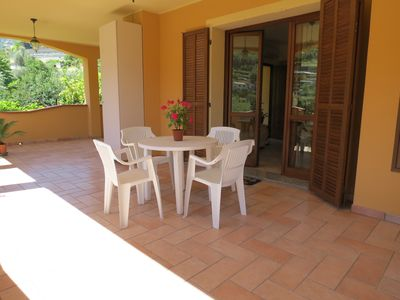 Photo for Apartment in villa with garden and quiet