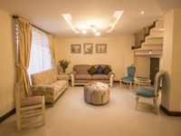 What a beautiful house to base our visit to Cuenca in.. So much room and very comfortable. Our