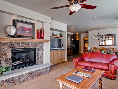 Photo for Bright and beautiful ski-in/ ski-out condo with slopeside view & resort amenities