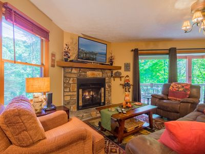 Photo for 3BR/3BA Mtn Cabin with Pool Table, Hot Tub, Convenient Location to Attractions, Fireplace