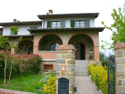 Photo for Nice apartment for 6 guests with WIFI, TV, terrace, pets allowed and parking, close to Arezzo