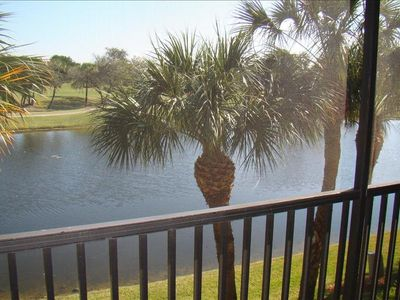 Photo for Close to Sanibel and outlet shopping, gated community with Golf Privlidges