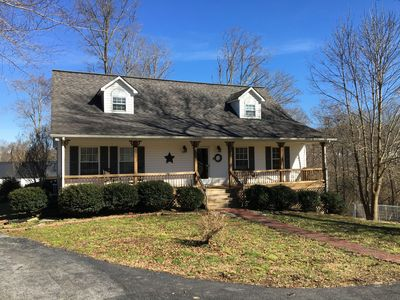 Dale Hollow Lake, Private Swimming Pool and Beautiful 4 BR 3 1/2 Baths