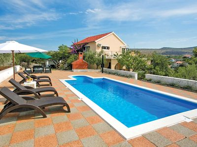 Photo for Large chic villa w/ games room, rustic BBQ, private pool & free Wi-Fi