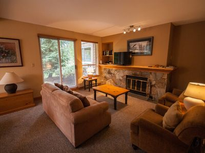 Ground floor on the Golf Course with BBQ. Free shuttle, parking & WiFi.