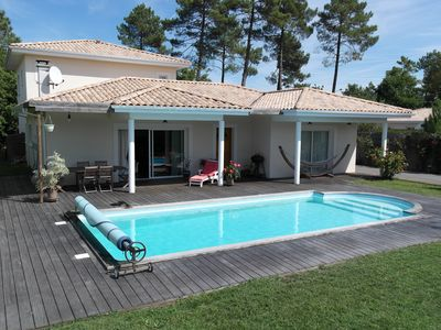 Photo for Villa 4 bedrooms, large living room, pool, terrace 100m2, quiet, not overlooked