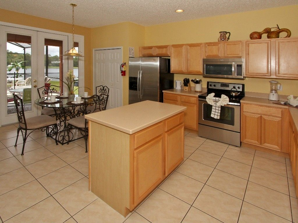 Spacious Villas with Private Pool, Hot Tub, Lanai, and Lake Views!