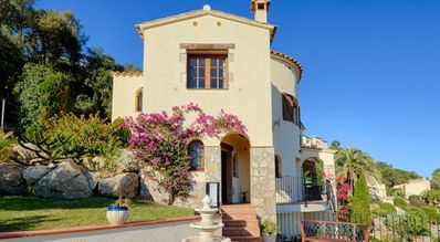 Photo for Luxury 4 Bedroom  Villa With Heated Pool & Jacuzzi - Fantastic Sea Views