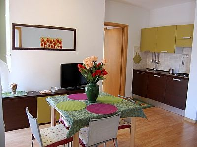 Photo for 3 bedroom Apartment, sleeps 6 in Rome with Air Con