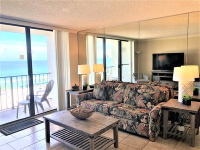 Family room with ocean view, queen sleeper.