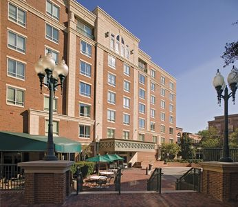 Photo for Wyndham Old Town Alexandria Resort ~ 1B ~ Sleeps 4 ~ Near Free Trolley and Metro