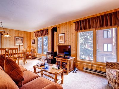 Photo for Perfect mountain retreat/3Br Condo-fireplace, Kids Ski Free