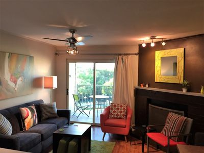 Photo for VIEW Comal River, pool, hot tub. Walk downtwn to food&music. Rent tubes next dor